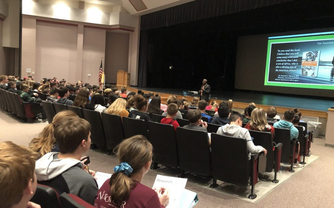 Sixtus meets students of Shallowater Middle School